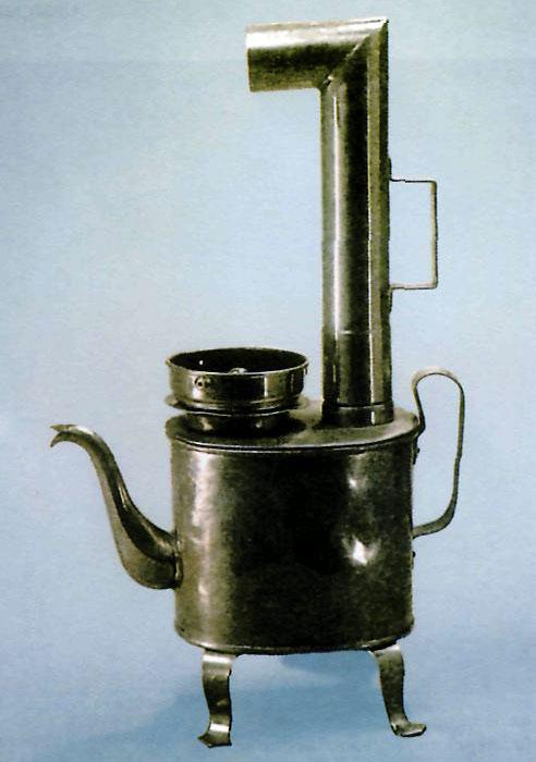 Самовар- чайник с трубой. Россия. Насало 20 в.